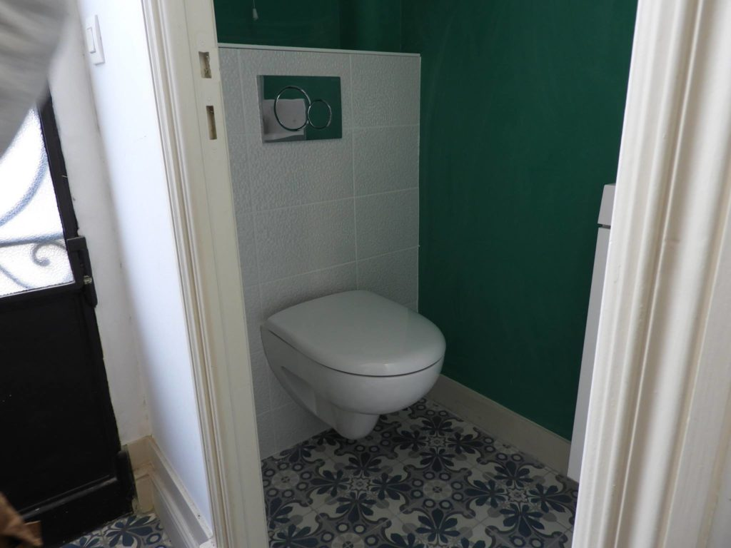 Rénovation d\'une entrée et d\'un WC à Bordeaux